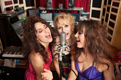 Do You Have Any Tips for Using Microphones When Singing?