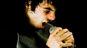 How Do You Sing in a Raspy Voice, Like Kurt Cobain?